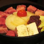 meguronowashokusatou - トマト味噌の牛なべ