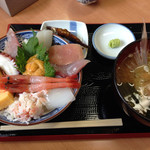 海鮮屋まるなん - 30食限定の海鮮丼780円+税 (2014.06)