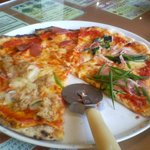 2821816 - 最初のピザ4種類