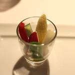 神楽坂 ヴェーリ - アミューズ (野菜のスチック 鰯のディップで)