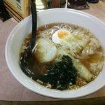 昌龍 - ワンタン麺 ¥750