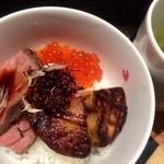 28213775 - ローストビーフ+フォアグラ+いくらの贅沢丼!