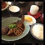 28218194 - 本日の鮮魚定食1000円。                                              食生活改善を試みてます。                       Σ(;゚ω゚ノ)ノ