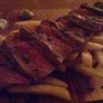 コモードキッチン - ランプ肉ステーキ