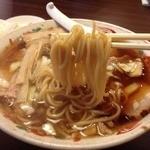 鳥人 - チャーシューメン大盛り(800円)麺リフト
