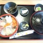 28222766 - 海鮮丼セット