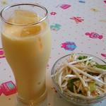 28225171 - Indian Restaurant MUSKAN @西葛西 ランチセットに付く珍しい生モヤシ入りサラダと選んだマンゴーラッシー