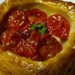 ぱんのお店 ドラジェ - トマトデニッシュ