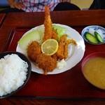 太田食堂 - 海鮮ミックス定食