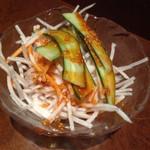 焼肉の七福 - 料理写真:サービスのサラダ