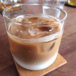 モトコーヒー - アイスカフェラテ¥600