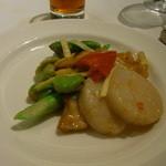 28231077 - 帆立貝、つぶ貝と白霊茸のXO醤炒め