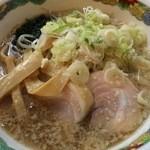 特麺コツ一丁ラーメン - ラーメン 麺少なめ 700円 ニンニクちょっと
