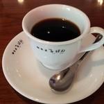 28235315 - 朝のホットコーヒー、卓上のメニューにはどの種類のコーヒーか書かれていない。公式HPでいうるぱんブレンドかアメリカン?@2014/6/15