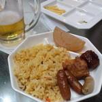 都ホテルニューアルカイック スーパービアガーデン - 焼き飯、鶏の唐揚げ、ソーセージ 他