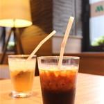 モスカフェ 烏丸六角店 - アイスコーヒー&ジンジャエール(セットドリンク+310円)