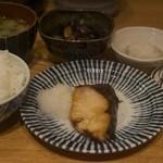 きづいち - 焼魚定食(ぶり塩焼)