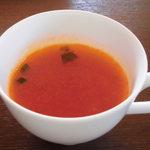 28245793 - スープも香草効いてます