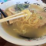 ラーメンの王道 北浜商店 - 函館塩ラーメンの麺