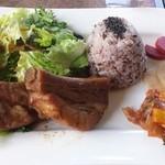 レ・プラ・ドゥ・ラ・テール 美味小舎 - スペアリブのワンプレート