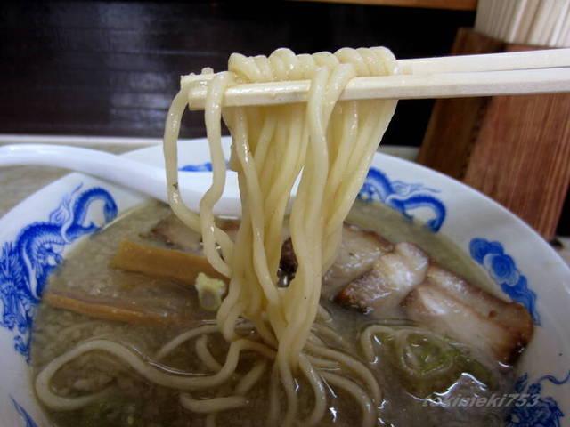 八助 - 『 背脂コク煮干(太麺)』 \760円