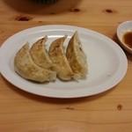 麺亭コバ - ぎょうざ(1個食っちゃった)