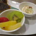 角パン専門店Cafe&マルシエルブ - エスプレッソ 黒糖シナモントースト・セット2