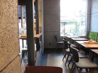 MONZ CAFE 門前仲町店 - 内観