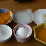 味の來々軒 - プリン3種(ライチ、マンゴー、メロン)杏仁豆腐、タピオカミルク
