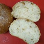 Boulangerie Le Zele - 「玄米ロール 2個入り」 118円