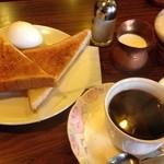 アルマンド - モーニングのトースト、卵(飲み物+50円)