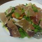 28273625 - パルマ産生ハムと季節野菜のサラダ