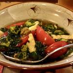 酒肴柚 - モロヘイヤ、オクラ、ささみ、トマトの冷製和え物
