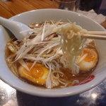 中華そば まるき - 中太縮れ麺(ネギ)
