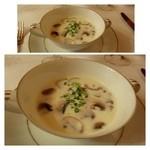 28283538 - フレッシュマッシュルームのスープ・・・丁寧に作れられたポタージュですよ。                        生のマッシュルームの風味もよく美味しい品。