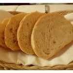 28283542 - 神戸フロインドリーブのパンです。神戸では老舗で「風見鶏」で有名です。