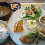 28286326 - 「野菜たっぷりランチ」1380円