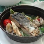 28287107 - 本日の魚と野菜の子コット蒸し焼き 岩海苔ソース