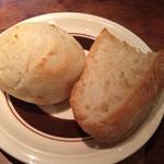ビストロ セー - 週替わりビストロランチ(¥980)  →ローストポーク フライドポテトと温泉卵添え(バターライスorパン2種付き)パン2種