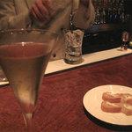 バー オスカー - バンブー。竹という日本のイメージにぴったりの程良い辛口で、キリットした清涼感。
