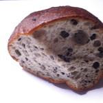 ダイズインターナショナル - 丸だいずパン(ごま) 120円 大豆とゴマで健康の波状攻撃やぁ。25.3.6