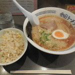 全国ラーメン党 - とんこつ+半チャーハン  ¥600-