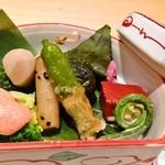 割烹 大田川 - お重などはいかがでしょうか?器と料理と空間でお楽しみ下さい。