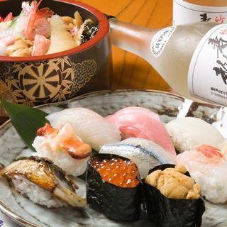 金沢港直送の旬のネタをお楽しみください。