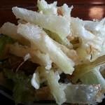 慈久庵 - 塩で食べる地葱の天婦羅は素材の甘さが引き立っています。油切れが少し悪いように思えるが実は...