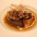 肉割烹 華家 新栄 - 牛ほほ肉と冬瓜加茂ナスの煮込み