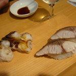 立ち喰い寿司とビオワイン ふく  - トリ貝、炙りしめ鯖