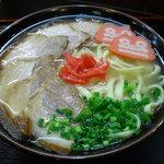 ちゅらかーぎ - 三枚肉そば ¥750