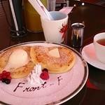 フロント エフ - 料理写真:これパンケーキじゃなくフレンチトーストです