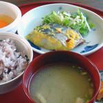 野歩ほん - こだわり卵かけご飯、魚のソテー
